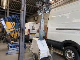 andere Baumaschine Tower light Mobile licht mast 4 x 400 w . 2014
