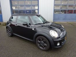 hatchback car Mini COOPER UKL-L 2011