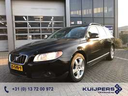 estate car Volvo V70 2.0 Momentum / Zwart / Airco 2008