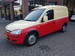 véhicule utilitaire léger fermé Opel Combo Z13 dth 2006
