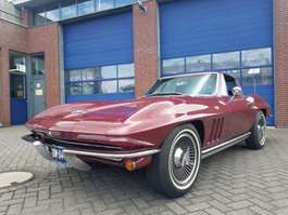 coupé car Chevrolet CORVETTE STING RAY  V8 1965