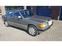 sedan car Mercedes Benz 190 E 2.0 U9 190E 2.0 1993