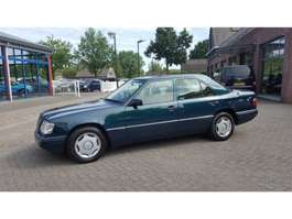 sedan car Mercedes Benz E-Klasse 200 SEDAN 1995