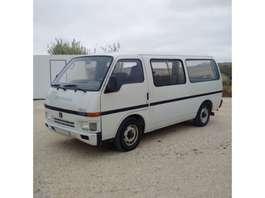 taxi bus Isuzu Bedford SETA 2.2 diesel long wheel base left hand drive. 1989