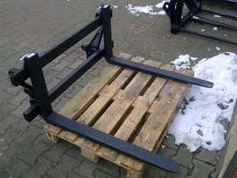 pallet fork attachment Palletbord met palletlepels / palletvorken