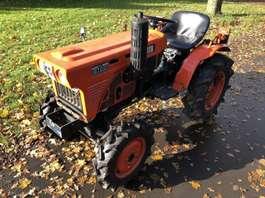 farm tractor Kubota B7001