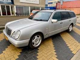 estate car Mercedes Benz E 320 Avantgarde 7 zitter 1998