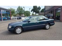 легковой автомобиль седан Mercedes Benz E-Klasse 200 SEDAN 1995