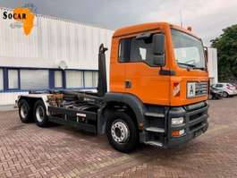 camion portacontainer MAN 26.460 6X4 Manual-fuelpomp 2003