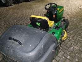 lawn mower John Deere LTR 180 2002