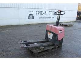 pallet stacker BT LW13 Elektrische Palletwagen 2001