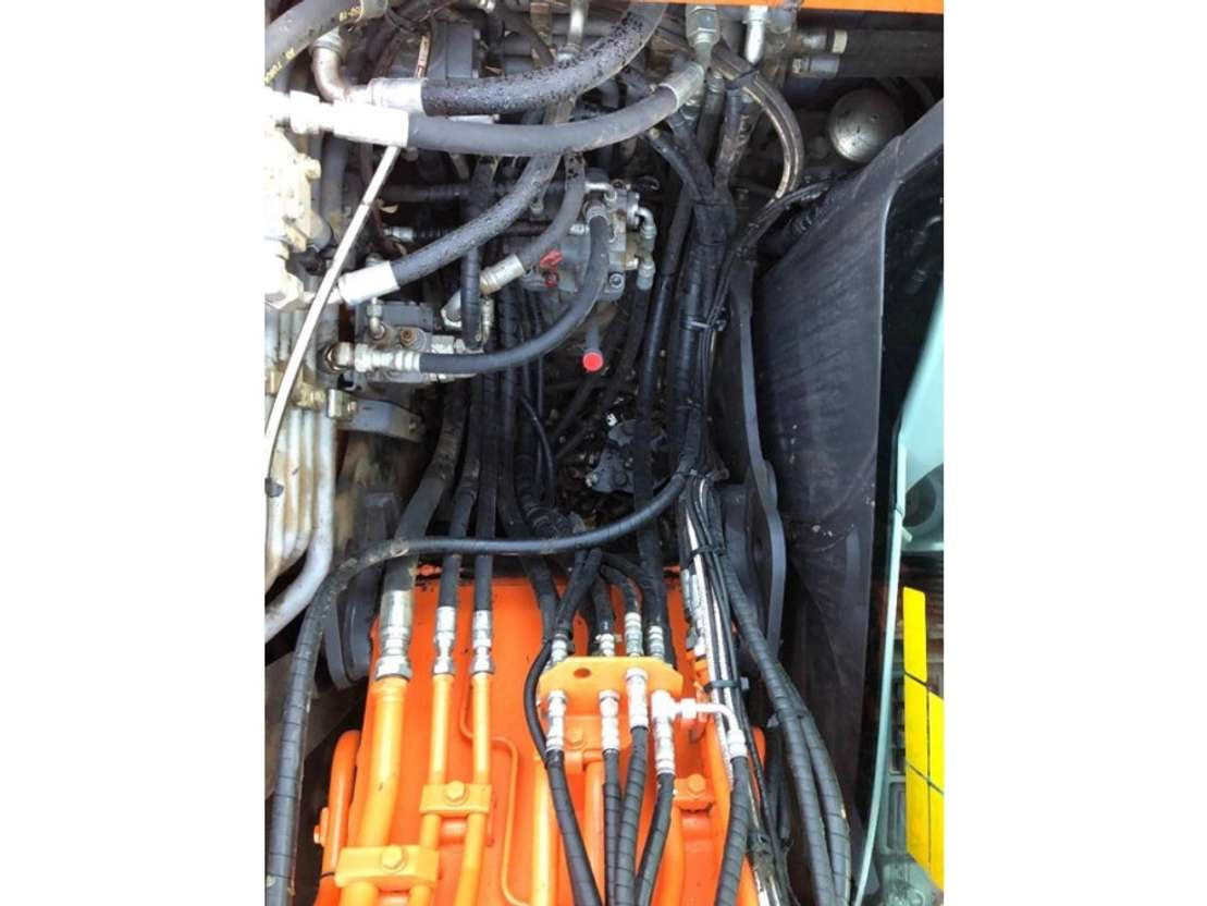 колесный экскаватор Hitachi ZX 140 W T-5 2015