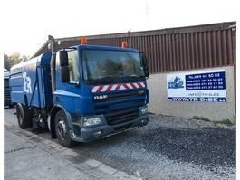 Road sweeper truck DAF CF75.250 VEEGWAGEN 2003
