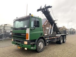 container truck DAF 75.300 6x2 manual gearbox tipper crane steel springs 1994