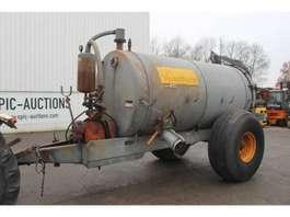 fertiliser spreader Veenhuis 5800 Mesttank 1984