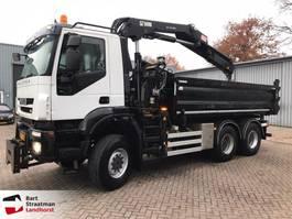 camión de volquete > 7.5 t Iveco AD380T41W EEV 6x6 kipper met Hiab kraan 2012 2012