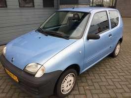 autovettura due volumi Fiat Seicento 1.1 S (radio/cd - APK nog tot 17-10-2020 - met winterbanden) 2003
