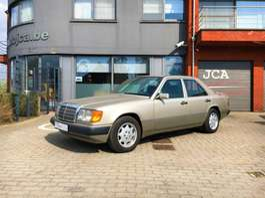 samochód typu sedan Mercedes Benz e230 140000 KM ORIGINEEL NIEUWE STAAT  !!!!!! 6999 EURO 1988