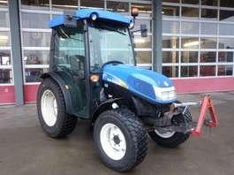 andere Baumaschine New Holland Tractor T3030 4WD met V&A hef en geluidsarme cabine 1.121 uur 2012