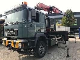 crane truck MAN 28.464 2002