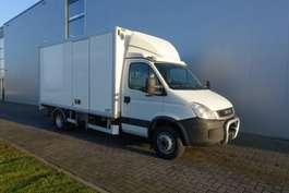 closed box truck Iveco IVECO DAILY 65C17 4X2 SERVICE VAN WITH MAXILIFT CRANE/KRAN 2010