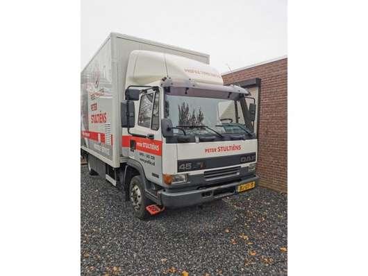 closed box truck DAF AE 45 CE 2000