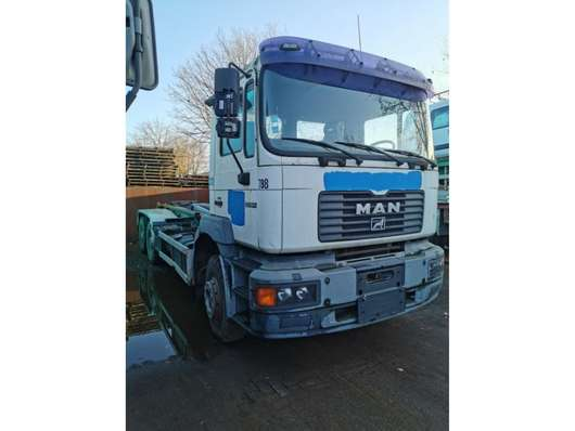 container truck MAN 33-364 1996