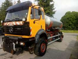 camião-cisterna Mercedes Benz 2031 4x4  WITH WATERTANK IN STAINLESS STEEL 1997