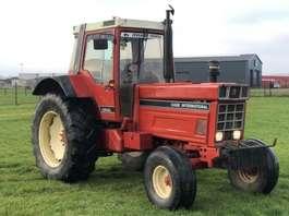 другие сельскохозяйственные тракторы International International 1255XL 3654 hours 2wd 1982