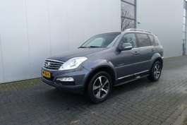 coche particular todoterreno 4 x 4 Ssangyong REXTON RX200 E-XDI 4X4 SAPPHIRE AUTOMATIC WITH PARKING SENSORS 2015