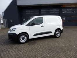 closed lcv Citroen Berlingo Van BlueHDI 75 Worker 1000 kg laadvermogen 2019