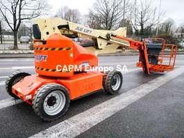 Raupe mit Scherenbühne JLG E450AJ 2007