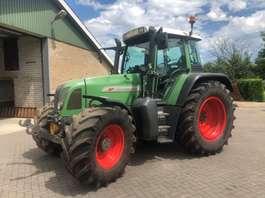 farm tractor Fendt 711 2001