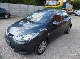 voiture à hayon Mazda 2 (2350 euro) 2008