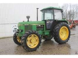 farm tractor John Deere 3040 1979