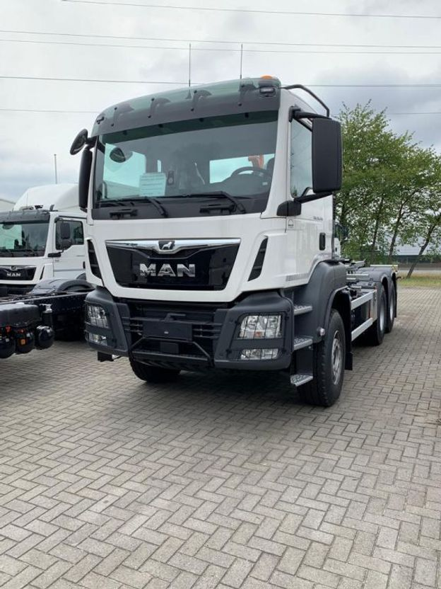 container truck MAN TGS 33.470 6x4 BL-M containerhaak wb 3900 2x 2020