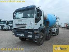 camion à bétonnière Iveco AD340t35B 2005