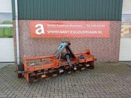 máquina para lavrar solos AGRATOR volle veldfrees