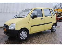 hatchback car Opel Agila 1.0-12V 2003