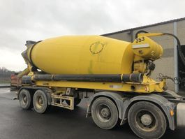 concrete mixer semi trailer Liebherr LIEBHERR BETON MIXER HTM1204 - 12 M³ 2002