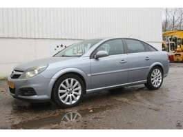 hatchback car Opel Vectra 2007