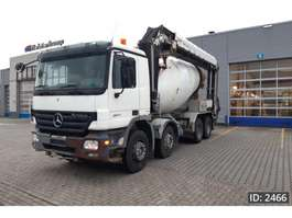 camion à bétonnière Mercedes Benz Actros 3244 Day Cab, Euro 4 2007