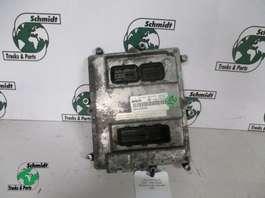 Electronics truck part Iveco 504122542  Bosch 0 281 020 048 EDC Unit