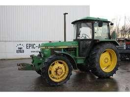 сельскохозяйственный трактор John Deere 2140 1986