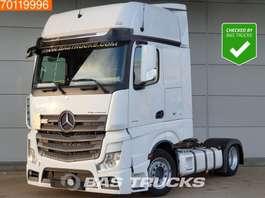 mega-volume tractorhead Mercedes Benz Actros 1842 LS 4X2 Mega Xenon Navi 2x Tanks GigaSpace Euro 6 2016