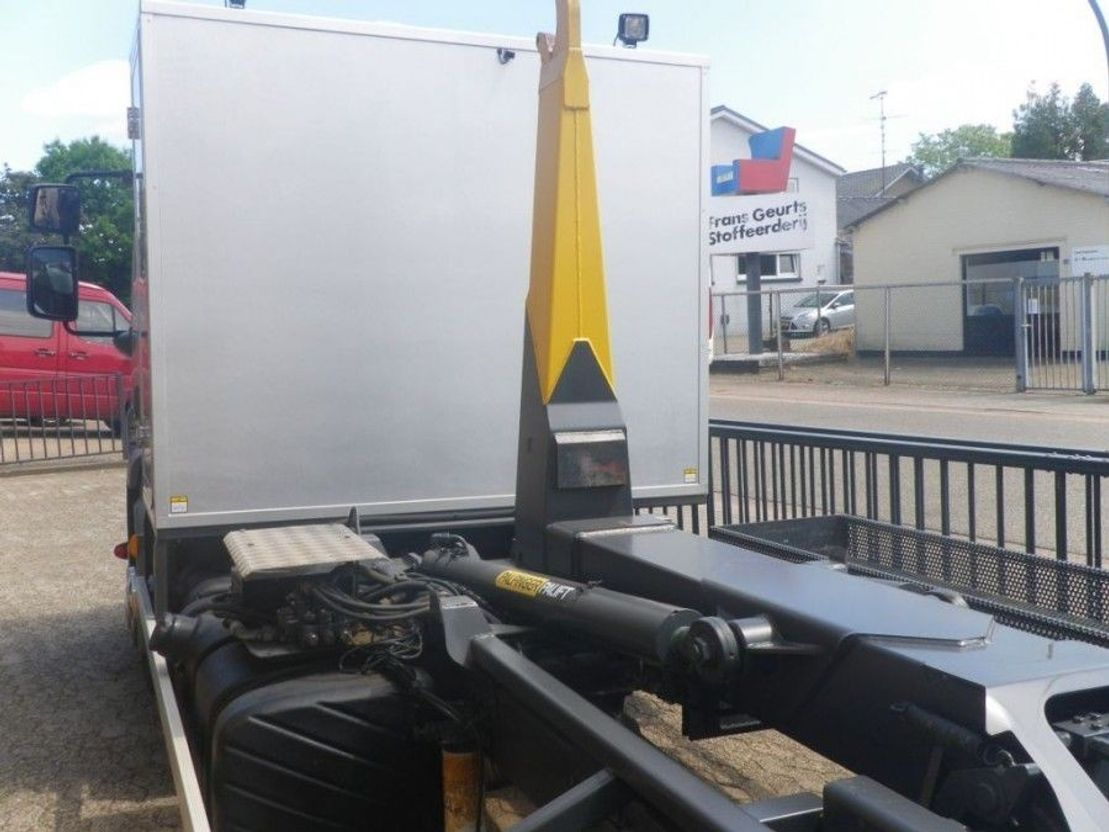 camión contenedor DAF DAF FA-LF45 CONTAINER HAAKARMSYSTEEM 2011