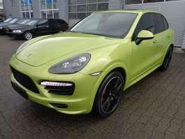 coche particular todoterreno 4 x 4 Porsche Cayenne GTS/PANO/ATM 1000 km/Sportabgas/Chrono 2014