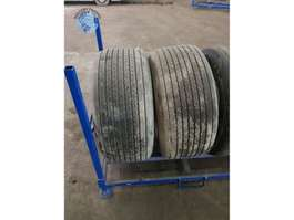 Tire set truck part Michelin 425/55 R19.5