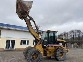 wheeled excavator Caterpillar 924G 2001