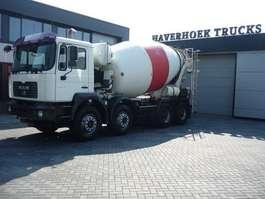 camion à bétonnière MAN FE 35-360  8x4 Concrete mixer 9000 Liter 2003
